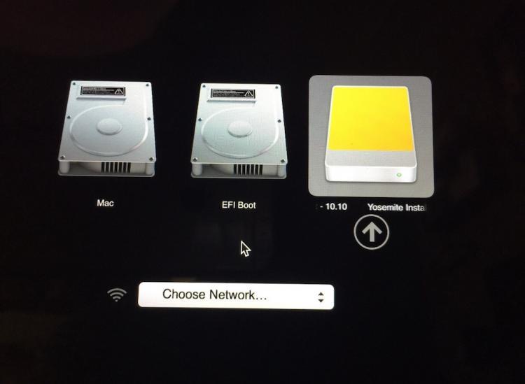Để chọn hệ điều hành theo cách thủ công, người dùng chỉ việc nhấn tổ hợp phím Option + nút nguồn.